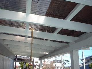 屋根とテラス_f0031037_177364.jpg