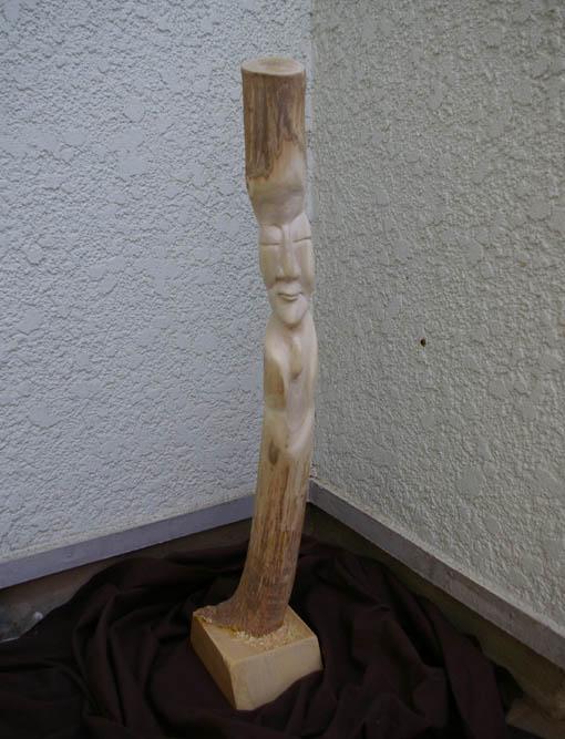 春分の日の3月21日、木彫り観音が玄関先に届いていた!_c0014967_0334565.jpg