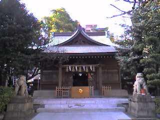 焔と饂飩、神社と神社、椿から椿。_d0091021_1261539.jpg