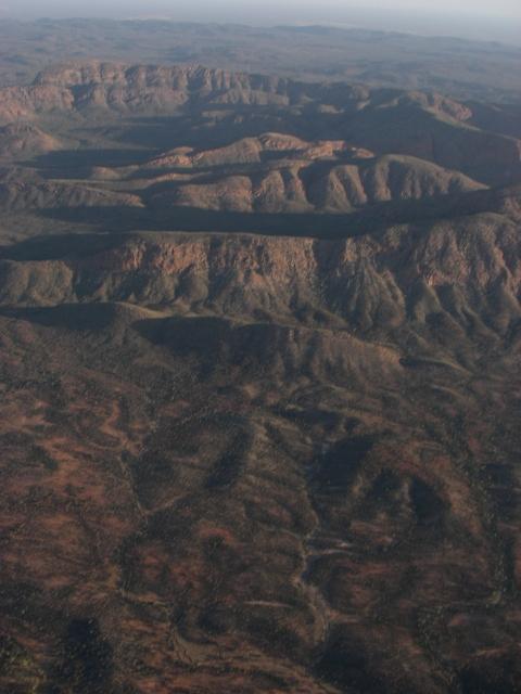 空撮 地球の背骨 マクダネルレンジ DAY12_f0050534_21425446.jpg
