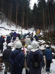 「梁川源流めぐり」 伐採・製材の現場見学会 終了しました。_f0105112_15411423.jpg