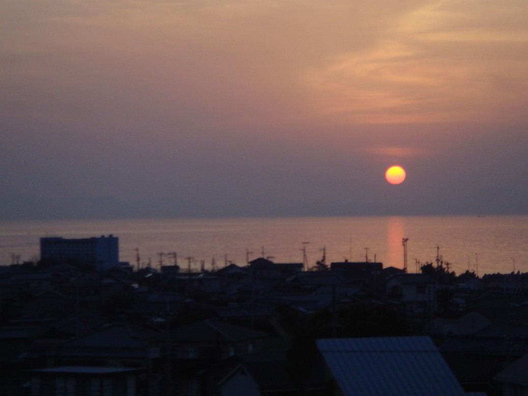 愛宕山からの夕陽_c0108460_20254278.jpg