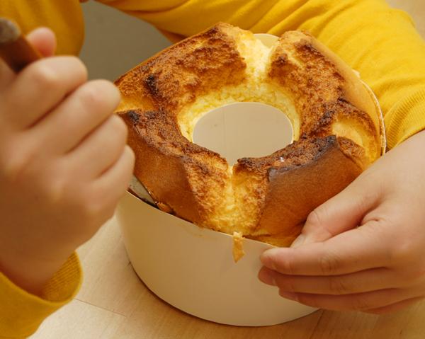 オイルを使わないレモンのシフォンケーキ_a0003650_21151116.jpg