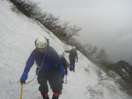 三鈷峰登頂と雪上訓練 参加4名。_d0007657_17562569.jpg