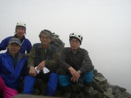 三鈷峰登頂と雪上訓練 参加4名。_d0007657_17565188.jpg
