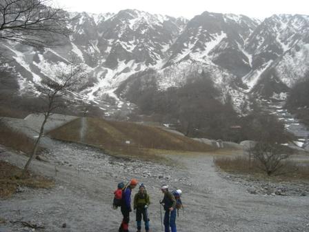 三鈷峰登頂と雪上訓練 参加4名。_d0007657_17585498.jpg