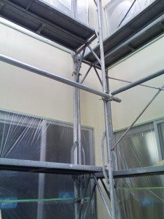 階段施工開始_d0099449_1105735.jpg
