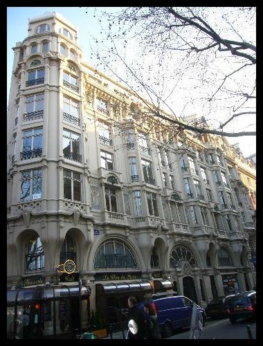 ■街角の建物(PARIS)_a0008105_5254864.jpg