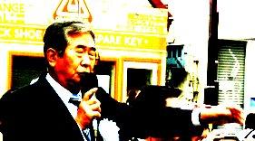 ▼[転載]下北沢の住民が決起!石原をやじり倒した!_d0017381_2384129.jpg