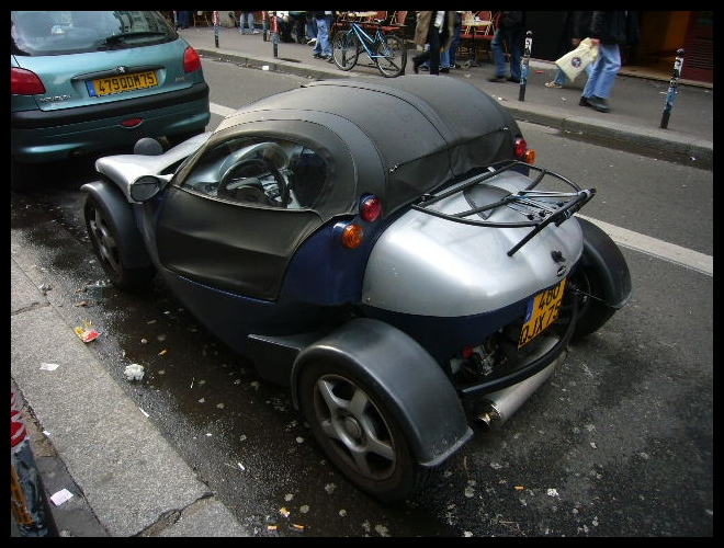 ■街角の車(PARIS)_a0008105_8163577.jpg