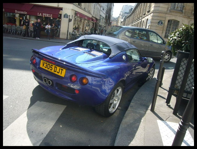 ■街角の車(PARIS)_a0008105_8172991.jpg