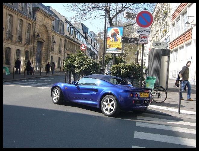 ■街角の車(PARIS)_a0008105_8174342.jpg