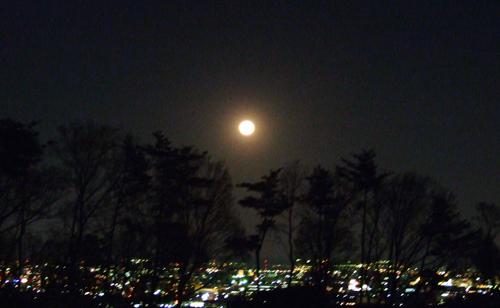 満月。_d0024685_2237957.jpg