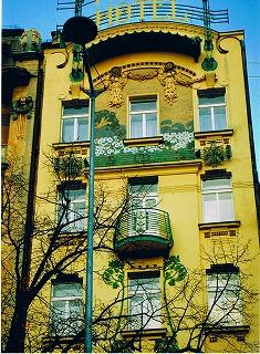 """プラハ ヴァーツラフ広場の建物  """"2003中欧_c0087349_16151862.jpg"""