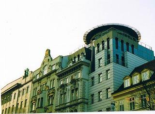 """プラハ ヴァーツラフ広場の建物  """"2003中欧_c0087349_2145941.jpg"""