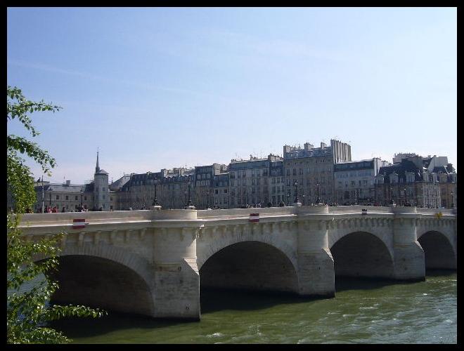 ■最近のポン・ヌフ(パリ)_a0008105_18562816.jpg