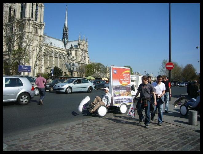 ■街角の広告(パリ)_a0008105_6222539.jpg