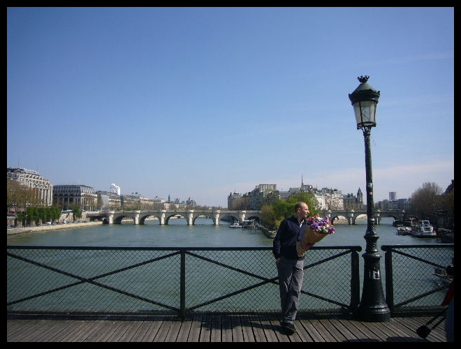 ■待つ人(パリ)_a0008105_6293149.jpg