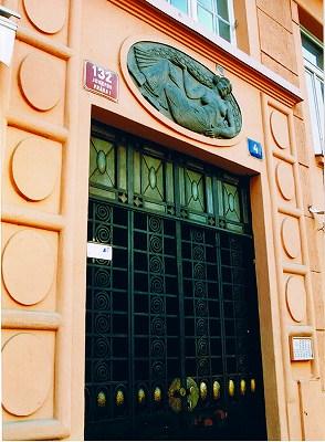 """プラハの建物  """"2003中欧_c0087349_8262715.jpg"""