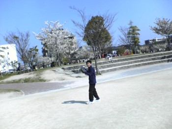 ~春休み最後の日~親子でキャッチボール♪_d0082356_8245580.jpg