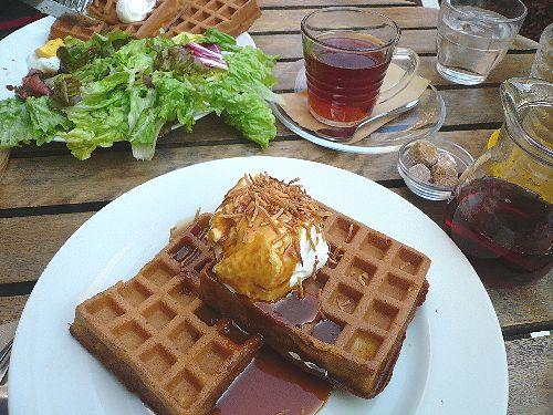 代官山 ワッフルズ ビウラ  Waffle\'s beulah へ のんびりお散歩..。.゚。*・。♡ _a0053662_1958829.jpg