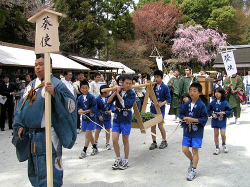 京都 上賀茂神社 葵使_e0048413_22425912.jpg