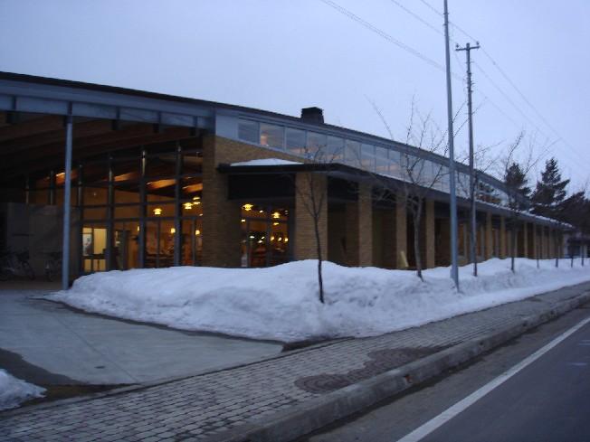 図書館~_e0048582_23364631.jpg