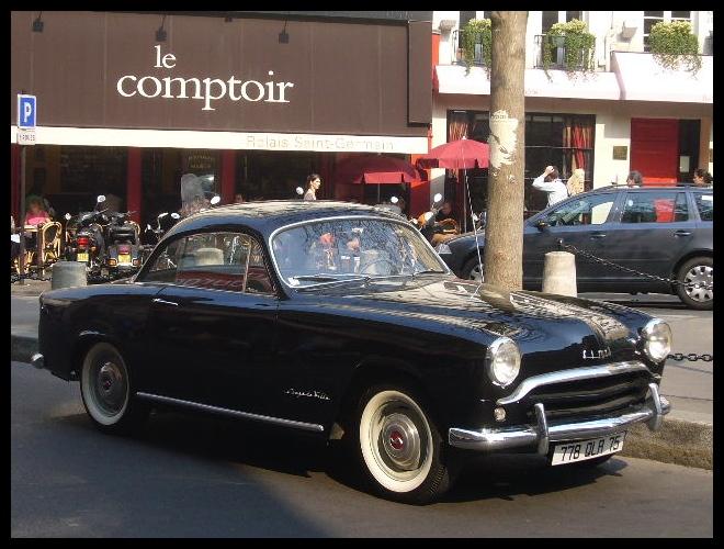 ■街角の車(パリ)_a0008105_3504511.jpg