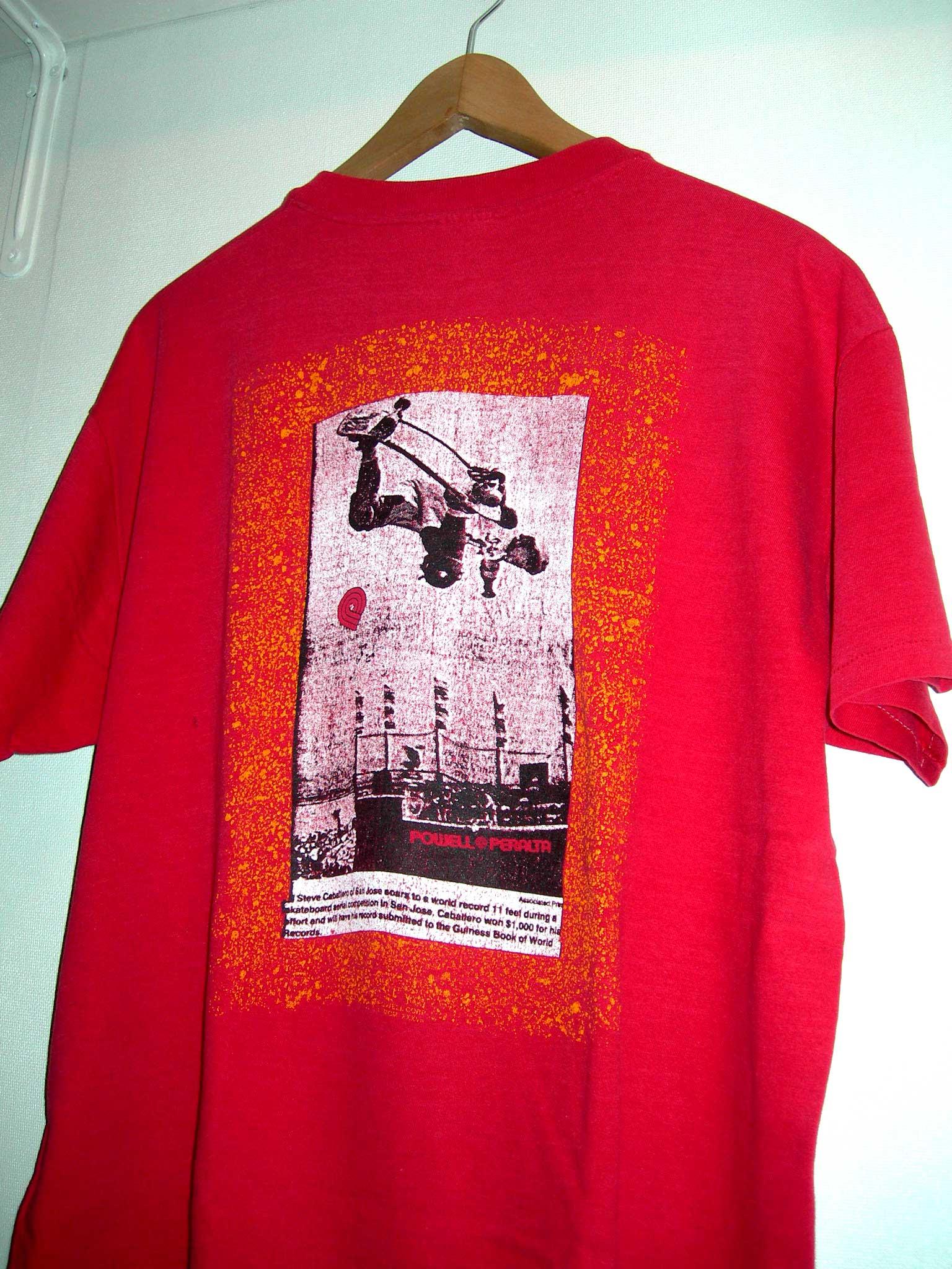 赤のフォトなPOWELLのTシャツ_c0078333_217596.jpg