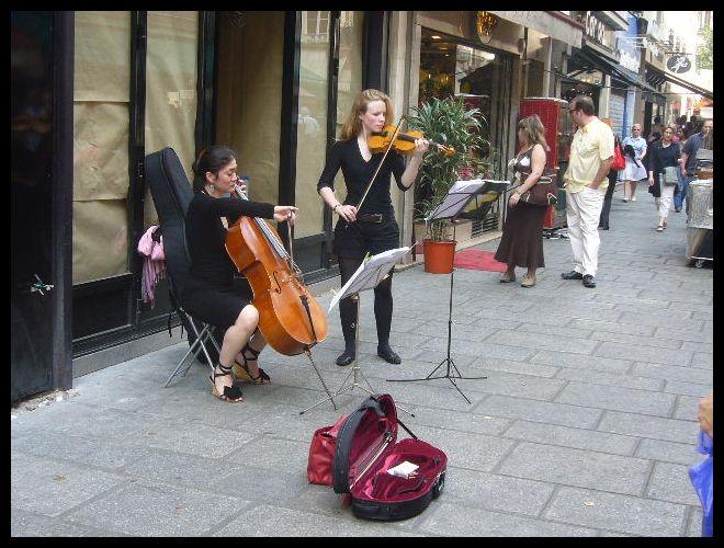 ■街角のミュージシャン(パリ)_a0008105_753120.jpg