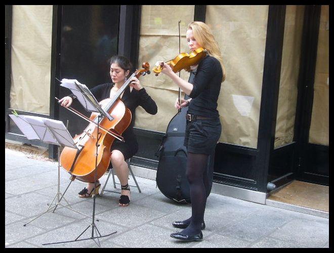 ■街角のミュージシャン(パリ)_a0008105_7533070.jpg