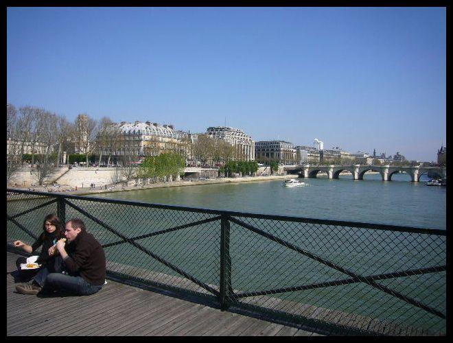 ■橋の上から(パリ)_a0008105_4512522.jpg