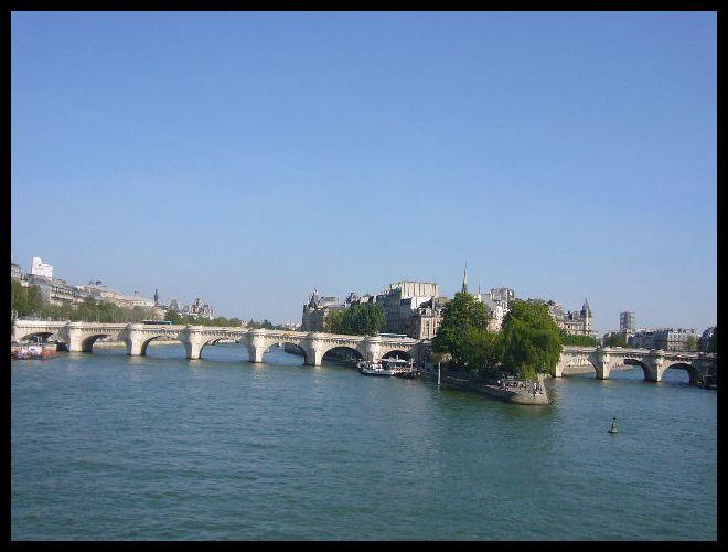 ■橋の上から(パリ)_a0008105_4513896.jpg