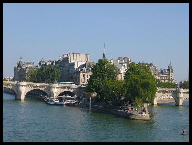 ■橋の上から(パリ)_a0008105_4514966.jpg