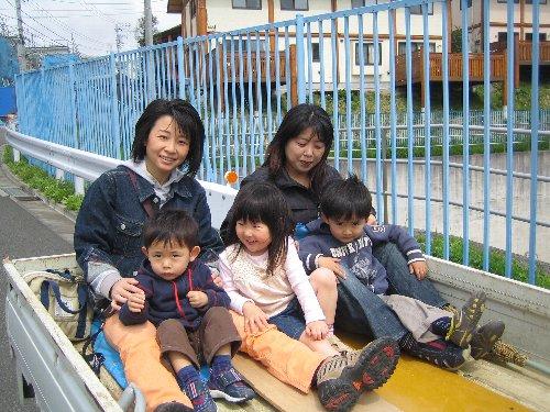 2007 Log Jizo Festival【春】1 恒例の筍掘りです!_c0038619_23311769.jpg