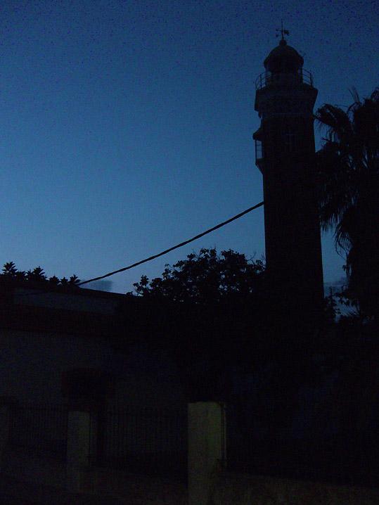 夜間散歩_e0100152_2335512.jpg