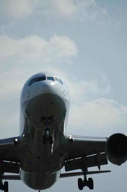 伊丹空港     FISHEYEで撮る   _d0119505_19373050.jpg