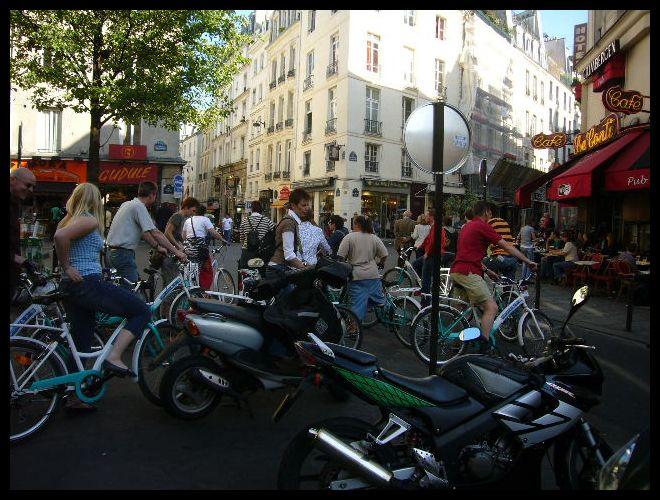 ■街角の自転車(パリ)_a0008105_22131939.jpg