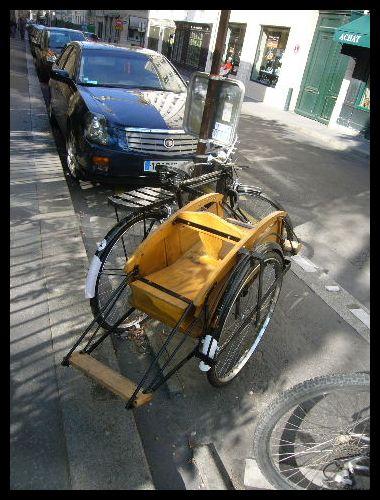 ■街角の自転車(パリ)_a0008105_22154788.jpg