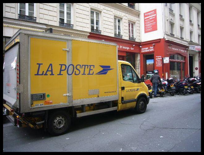 ■街角の車(パリ)_a0008105_23391377.jpg