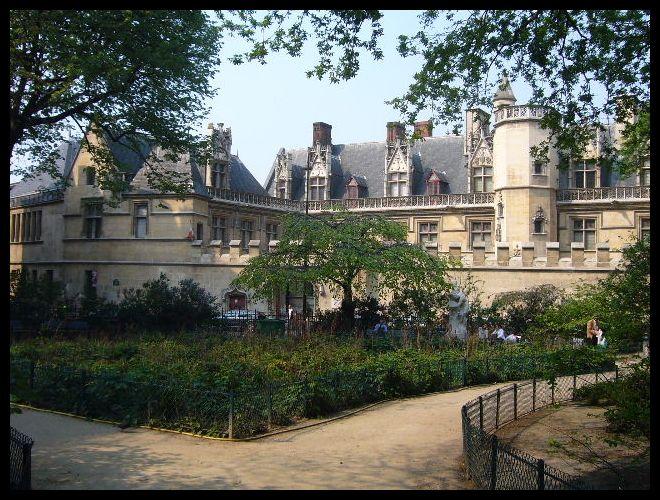■街角の公園(パリ)_a0008105_8572577.jpg