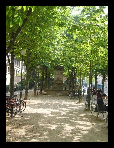 ■街角の公園(パリ)_a0008105_8574561.jpg