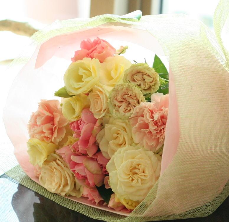 シェ松尾天王洲倶楽部さま 春のひかり 御両親への花束_a0042928_5295430.jpg