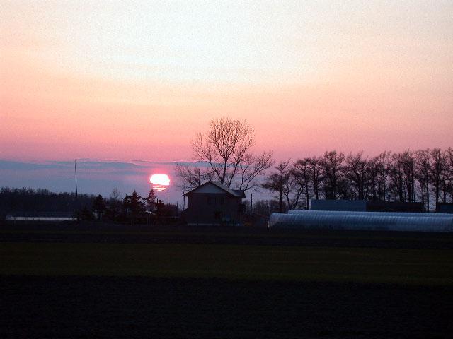 早春の北海道半周紀その5:オホーツクの日没ほか_e0100772_23315692.jpg