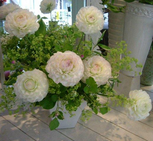 オークリーフ花の教室(北村さんの作品)_f0049672_16141695.jpg