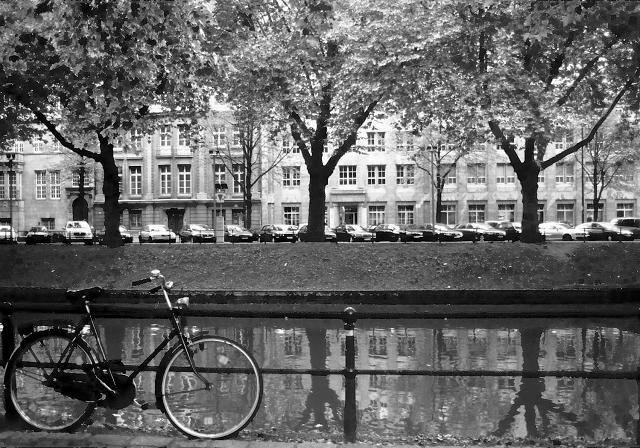 自転車のある風景 デュッセルドルフ_f0050534_22433029.jpg