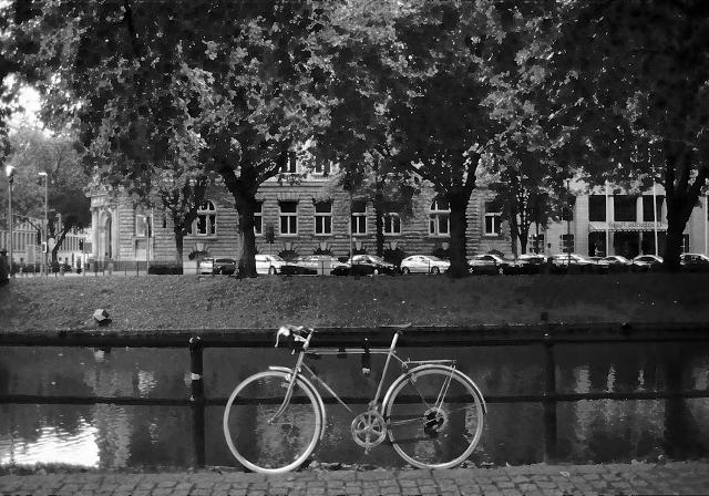 自転車のある風景 デュッセルドルフ_f0050534_22433871.jpg