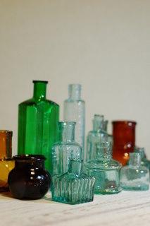 古いイギリスの瓶_d0087761_19123729.jpg
