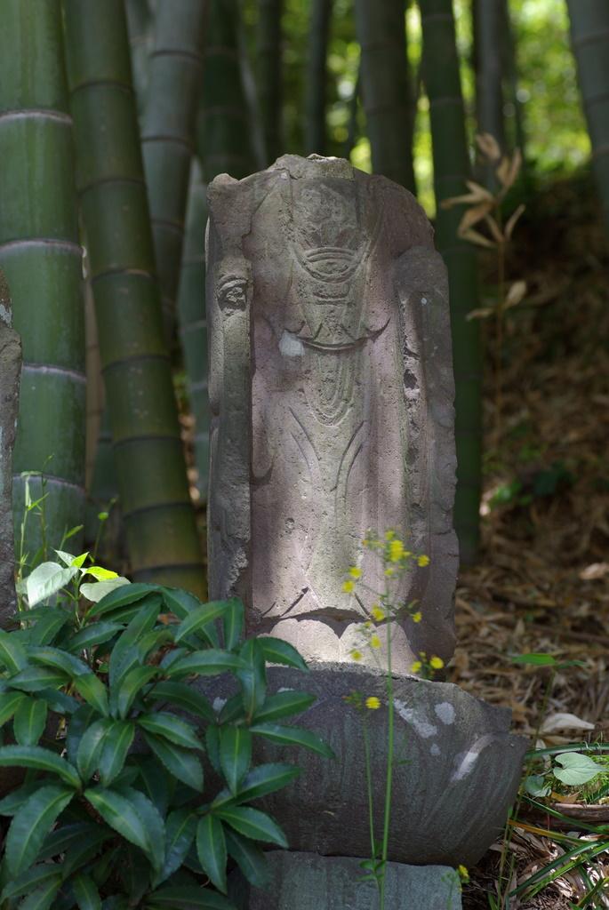 ちょっと一息、日本の仏様_e0108787_12143413.jpg