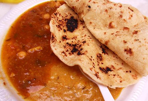 パキスタンのお祭りで食べた激辛カレー_b0007805_9212841.jpg
